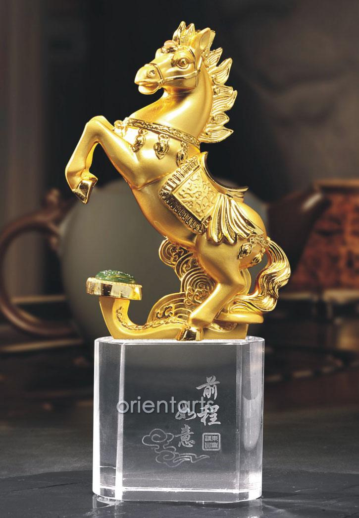 Golden Horse with Ruyi on Clear Crystal Base for Successful Feng Shui