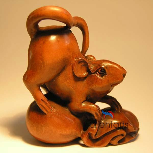 Wood Netsuke Mouse